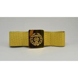 Cinturón de 5 cms. Con galón dorado y hebilla de lira con palmas