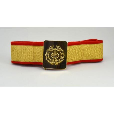 Cinturón de 5 cms. con galón de 4 cms. dorado con hebilla de lira con palmas